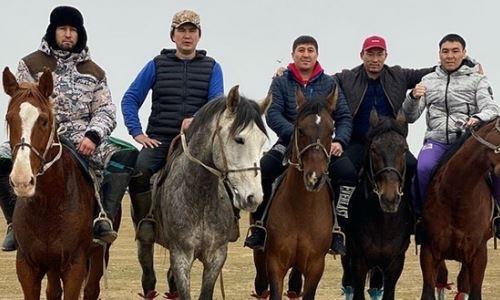 Непобежденные казахстанские боксеры с шестью титулами на двоих приняли участие в кокпаре