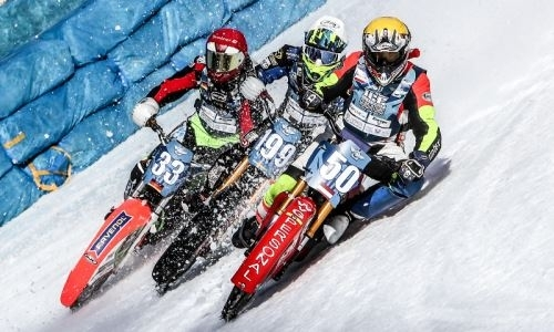 Немецкого мотогонщика госпитализировали после падения на чемпионате мира в Алматы