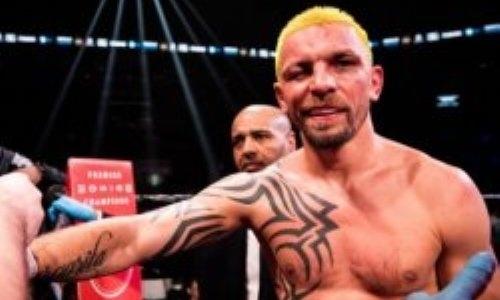 Укусившему соперника боксеру неожиданно смягчили наказание