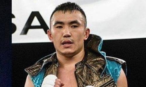 Небитый казахстанский боксер сразится с экс-соперником чемпиона мира в весе Головкина и узбекского обидчика Алимханулы