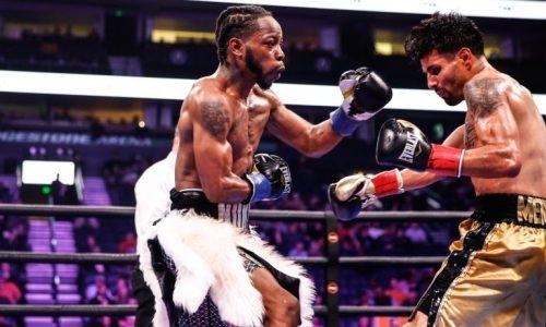Побитый казахстанским боксером экс-чемпион мира деклассировал американца