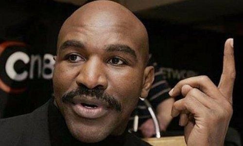 Легендарный Холифилд назвал бой, который станет крупнейшим событием в истории бокса