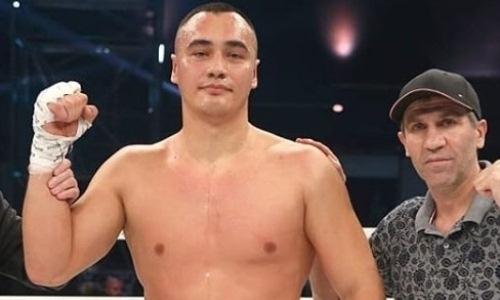 Непобежденный казахстанский супертяж узнал новую дату дебютного боя с бывшим промоутером Головкина