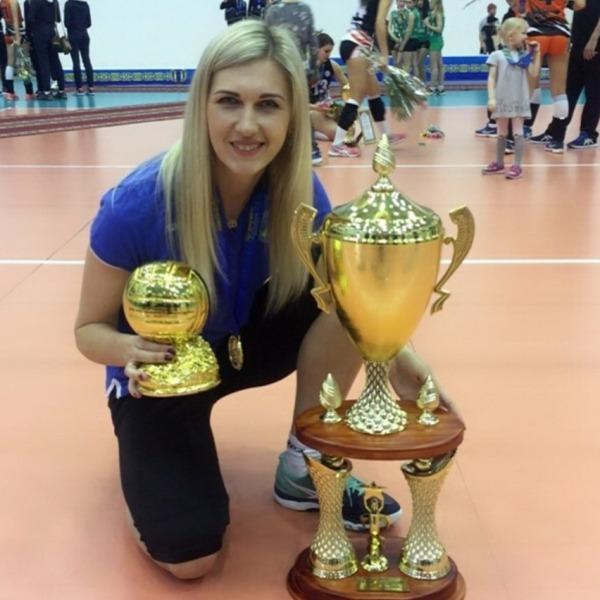 «Лучше бы волейбол набирал популярность за счет игровых качеств, а не откровенных фото». Лидер сборной Казахстана подвела итоги своей карьеры