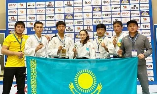 Казахстан с шести медалей стартовал на молодежном Кубке Европы по дзюдо