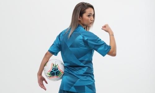 «Будет так же греметь, как и мужская». Казахстанская футболистка раскрыла причины перехода в «Зенит»