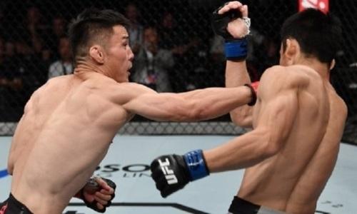 Единственный представитель своей страны в UFC пушечным ударом вынес оппоненту челюсть. Видео нокаута
