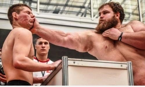 «Каменные лица» анонсировали бой Пельменя с бывшим соперником Федора Емельяненко. Видео