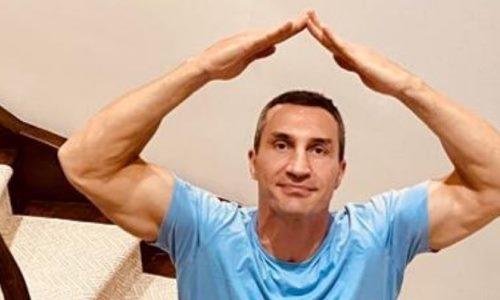 «Шутки в сторону». Знаменитый уроженец Казахстана запустил карантинный челлендж. Видео
