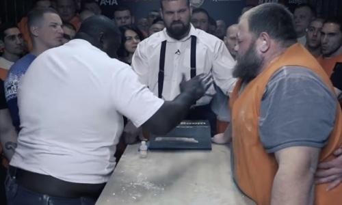 Видео жестокого боя на пощечинах экс-соперника Емельяненко со 170-килограммовым «Пельменем»