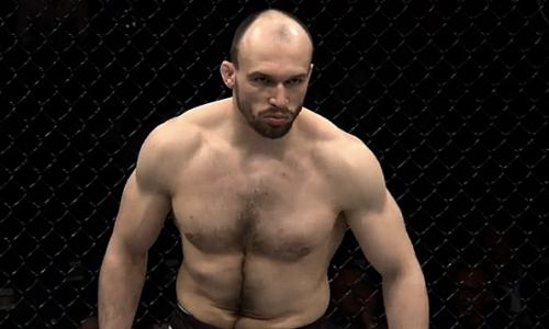 «Надеюсь на более серьезные бои». Дебютный соперник первого казахстанца в UFC не воспринимает его всерьез