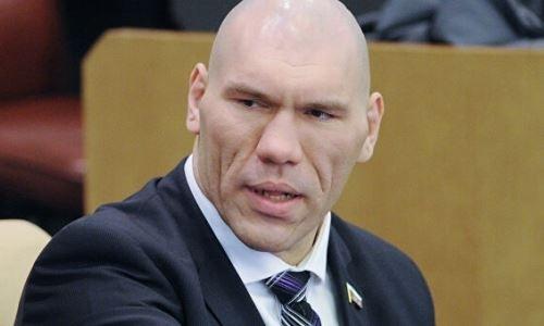 «Голова же на плечах должна быть». Валуев высказался об отмене турнира UFC 249