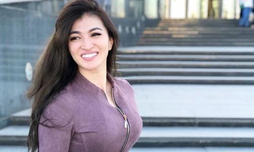 «Ответка соседям». Казахстанская спортсменка восхитила вокальными данными. Видео