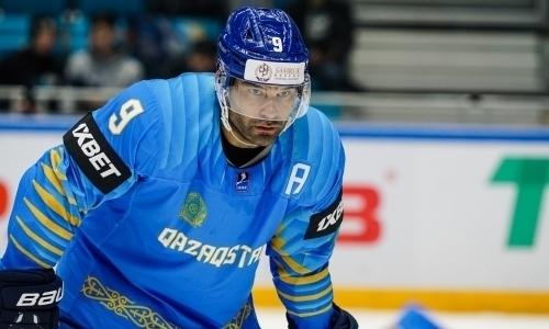 Топ-клуб КХЛ не теряет надежду подписать лидера сборной Казахстана