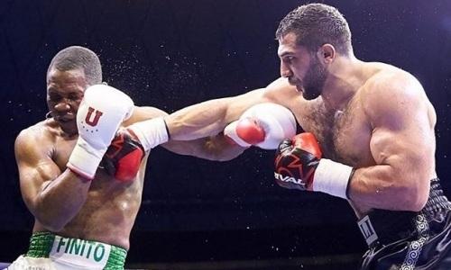 Промоутеры Фьюри и Сондерса впечатлены взрывной ударной серией непобежденного казахстанского боксера. Видео