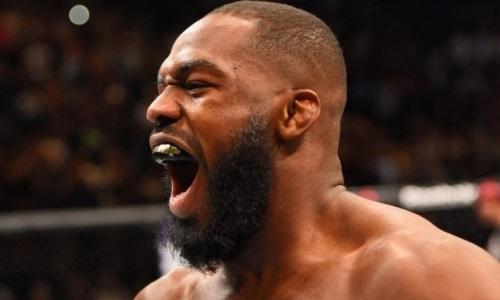 «Засунь деньги себе в рот». Лучший боец UFC потребовал освободить его от контракта