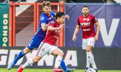 «Был почти беспомощен». Казахстанский игрок получил изрядную долю критики за рубежом