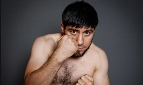 «Идите в задницу, мне насрать на ваше мнение!». Казахстанский боксер с 14 победами в профи жестко ответил своим хейтерам