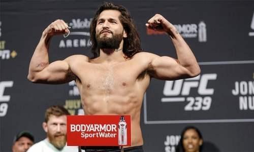 Автор рекордного нокаута в истории UFC пригрозил уходом из промоушена