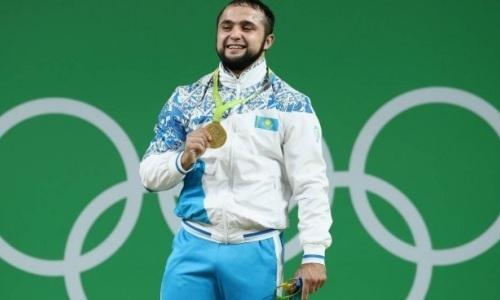 «У Федерации постоянно проблемы». Известные казахстанские тяжелоатлеты требуют выплатить им зарплату за полгода. Видео