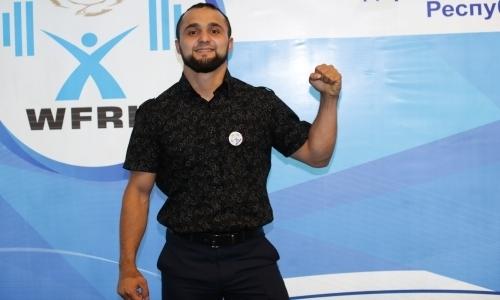 «Мы не просим чужого — отдайте нам наше!». Олимпийский чемпион Рахимов и другие казахстанские тяжелоатлеты недовольны Федерацией
