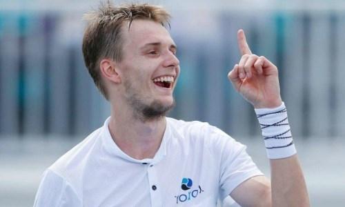 Казахстанский теннисист пошутил над необычной внешностью шестой ракетки мира. Фото