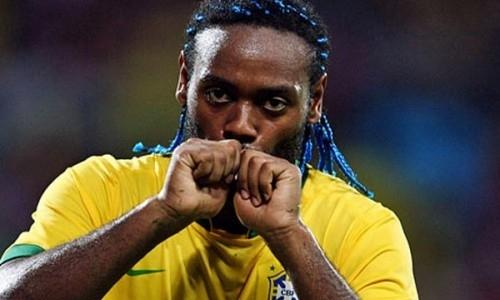 Бывший нападающий сборной Бразилии и звезда московского ЦСКА Вагнер Лав перешел в «Кайрат»