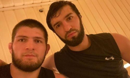 «С братскими сердцами». Нурмагомедов показал фото с Тухуговым и Махачевым