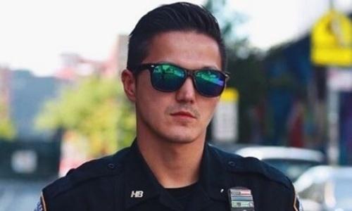 Казахский боксер-полицейский из Нью-Йорка обратился к Касым-Жомарту Токаеву с просьбой о защите животных. Видео