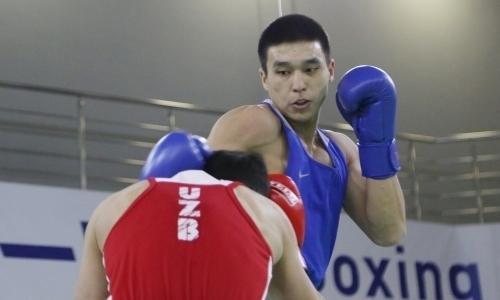 Чемпион Азии по боксу из Казахстана официально перешел в профи и подписал контракт с промоутером