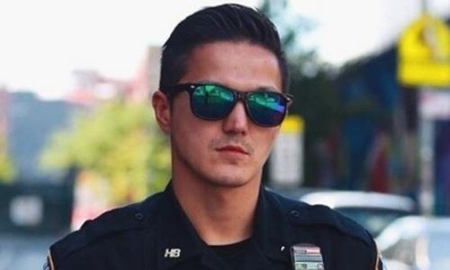 «У них ничего не осталось в мозгах». Казахский боксер-полицейский из Нью-Йорка высказался о забивавших тюленя соотечественниках. Видео