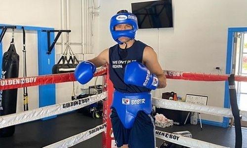 Непобежденный казахстанский боксер продолжает тренировки в США