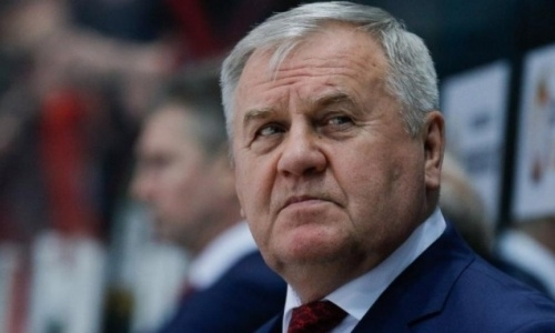 Экс-наставнику «Барыса» и сборной Казахстана сделали необычный подарок в клубе КХЛ. Видео