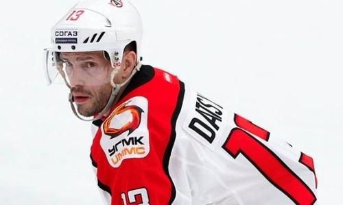 Соперник «Барыса» по конференции КХЛ продлил контракт с легендарным нападающим