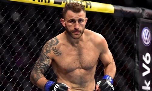Волкановски победил Холлоуэя в реванше и защитил титул чемпиона UFC. Видео