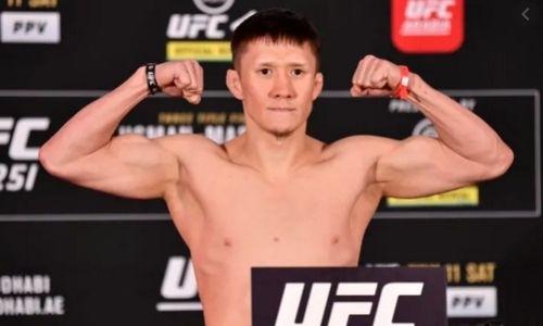 Стал известен гонорар Жалгаса Жумагулова за дебютный бой в UFC