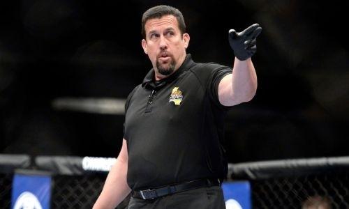 Легендарный рефери раскритиковал судейство турнира UFC с участием Жумагулова и назвал виновных