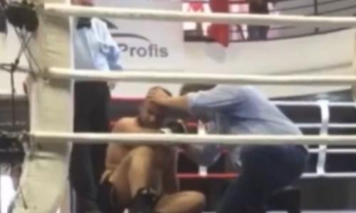 Ветеран-супертяж «бомбами» нокаутировал 18-летнего боксера. Видео