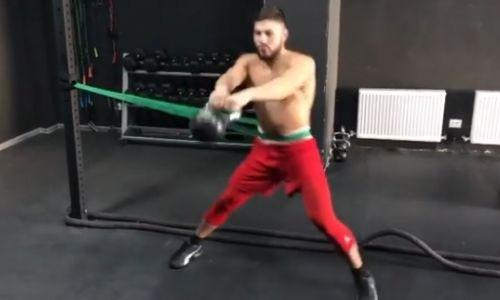 Чемпион WBC Садриддин Ахмедов поделился видео гиревой тренировки