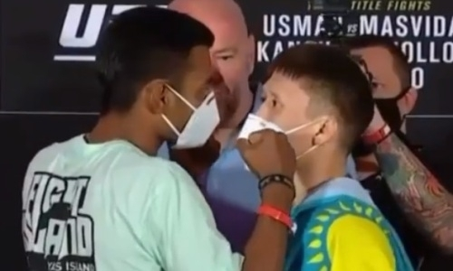 «Вон, смотри, твой соперник идет!». Жумагулов вспомнил встречу со своим обидчиком перед боем в UFC