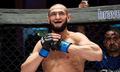 Чеченский боец «задушил» соперника в дебютном бою в UFC. Видео