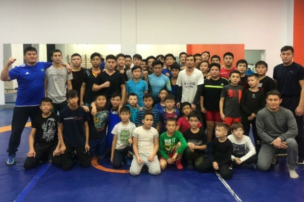 «Мы — борцы, у нас одна фишка». Единственный соперник Александра Емельяненко из Казахстана о своем поражении и ключевом факторе в победе Магомеда Исмаилова