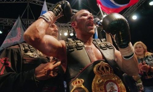 Казахстанский боксер получил в секунданты чемпиона мира WBA