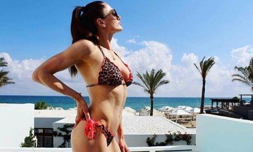 Снимавшаяся для Playboy чемпионка мира подписала контракт с промоутером Головкина