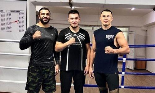 Капитан сборной Казахстана спаррингует с непобежденным тяжеловесом перед дебютом в профи