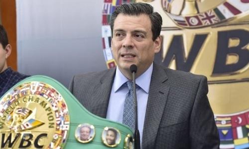 «Взойдет на вершину». Президент WBC высказался о бое Ломаченко — Лопес