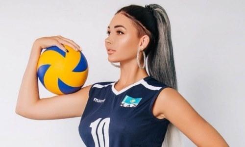 Одна из самых сексуальных спортсменок Казахстана эффектно поздравила своих коллег. Видео