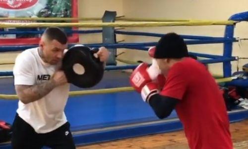Джукембаев продолжает тренировки после отказа от боя с непобежденным узбеком. Видео