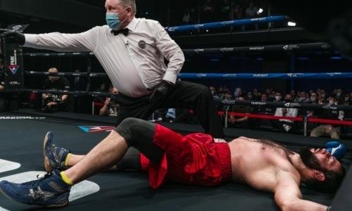 Российский боксер после нокаута казахстанца получил прямой с правой и чуть не улетел за канаты. Видео
