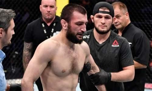«Сумасшедшая история». Хабиб Нурмагомедов жестко разыграл своего брата из UFC